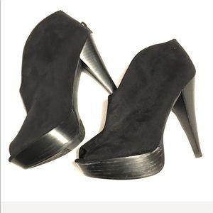 Carlos Santana Ankle Black Heel Boots